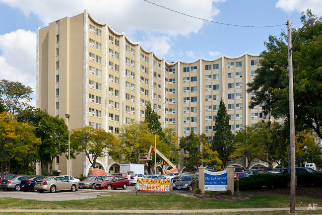 The Lakewoods Apartments