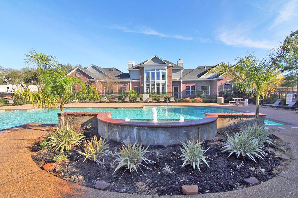 Bristol Apartments | 1303 Greens Pky, Houston, TX 77067 ...