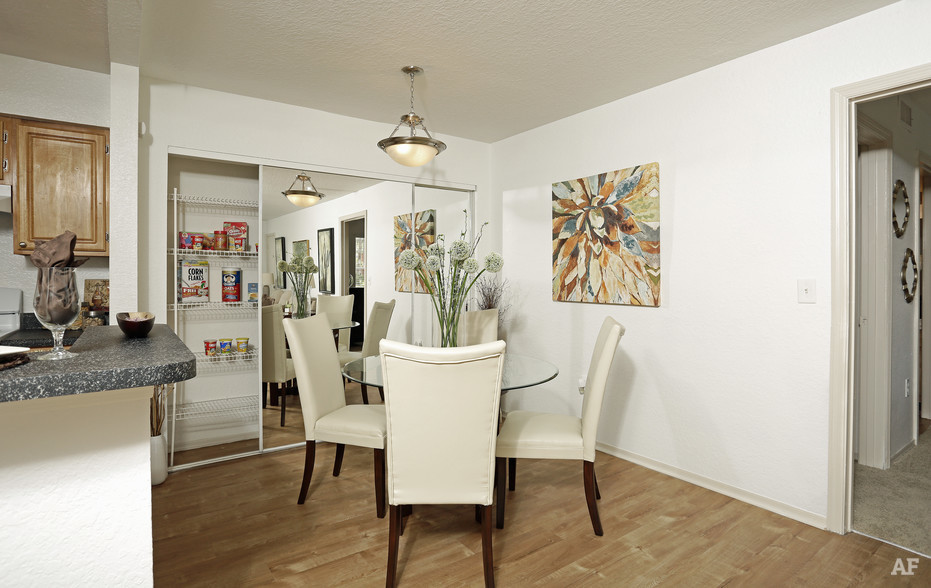 Dining Room - Arrow Ridge
