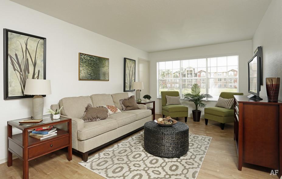 Living Room - Arrow Ridge