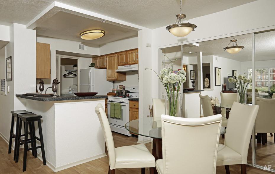 Kitchen & Dining Room - Arrow Ridge
