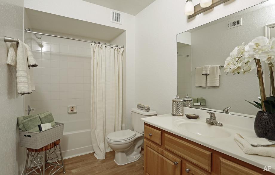 First Bathroom - Arrow Ridge
