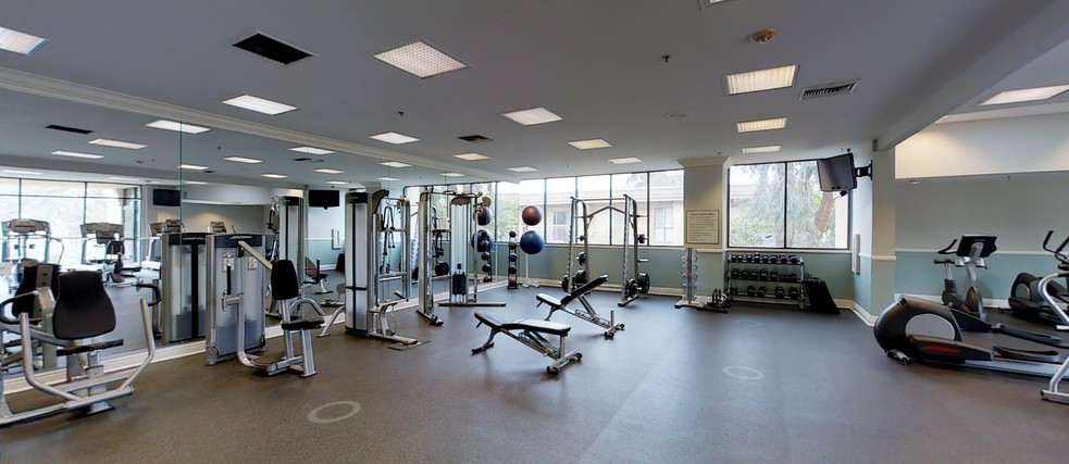 Fitness Center - eaves Woodland Hills