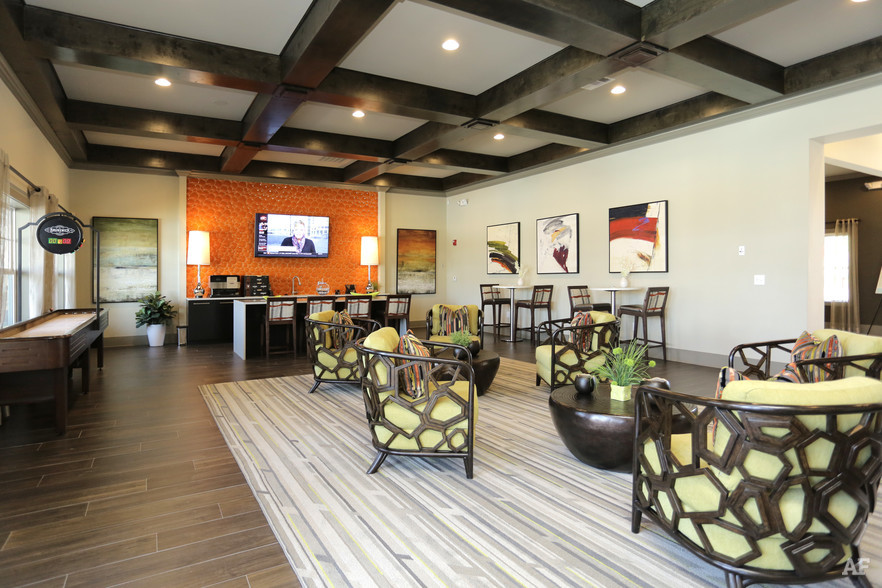 Clubroom - THE MERIDIAN AT REDWINE
