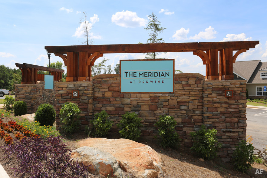 Community - THE MERIDIAN AT REDWINE