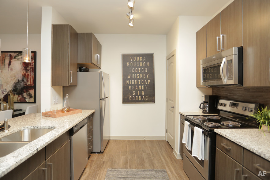 1BR, 1BA - 837 SF - THE MERIDIAN AT REDWINE