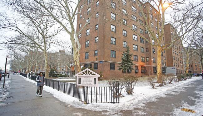 Fantastic Louis Heaton Pink Houses 2628 2700 Linden Blvd Brooklyn Download Free Architecture Designs Scobabritishbridgeorg