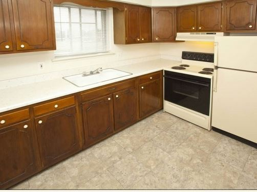 Kitchen - Georgetown Manor Apartments