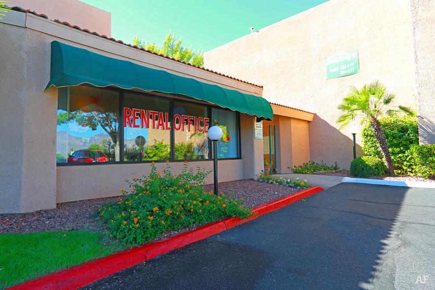 Huntington Park Apartments   8550 E Speedway, Tucson, AZ