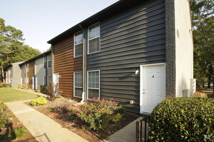 - Golden Gate Townhomes
