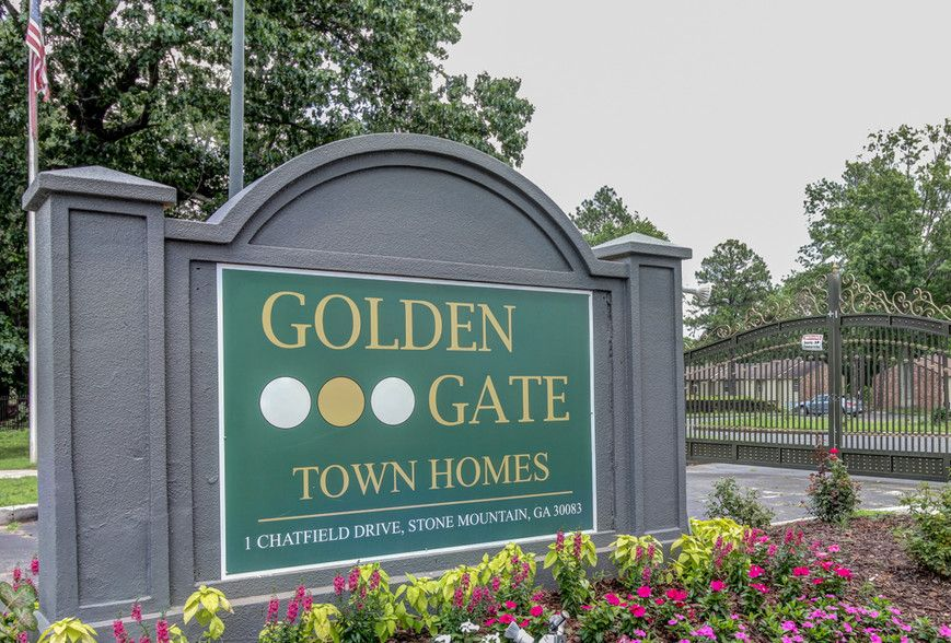 Building Photo - Golden Gate Townhomes