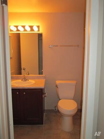 Bathroom - Wildwood Apartments