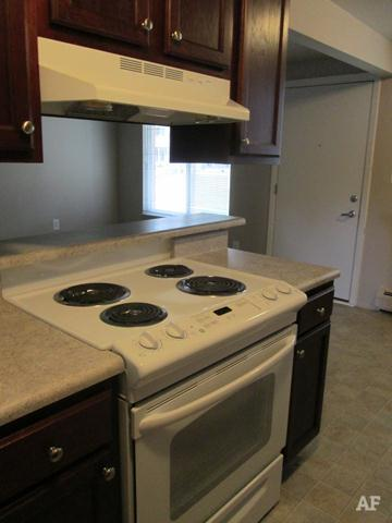 Kitchen - Wildwood Apartments