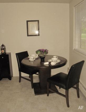 Dining Room - Wildwood Apartments
