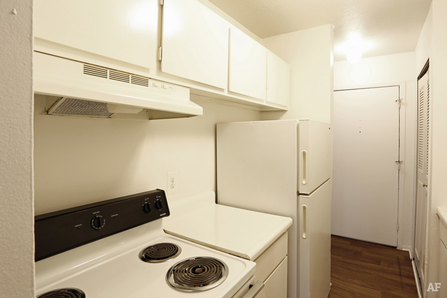 Two Bedroom - Kitchen - Hawthorne Club Apartments