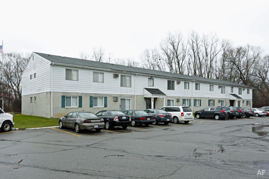 Building - Hawthorne Club Apartments