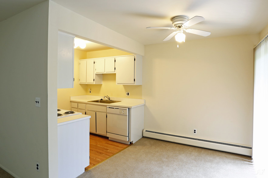 Two Bedroom - Dining Area - River Bend Apartments