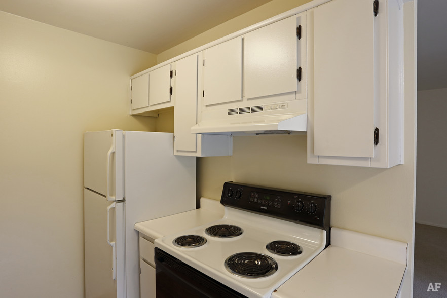 One Bedroom - Kitchen - River Bend Apartments