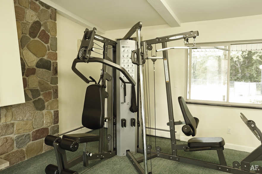 Fitness Center - River Bend Apartments