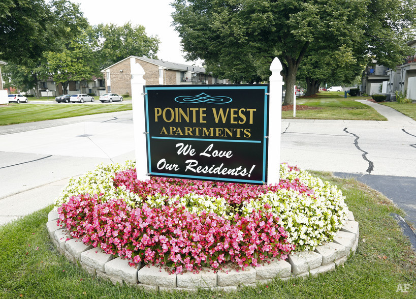 Building Photo - Pointe West Apartments