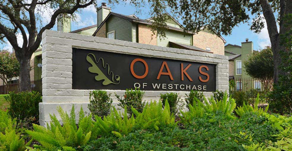 Building Photo - Oaks of Westchase