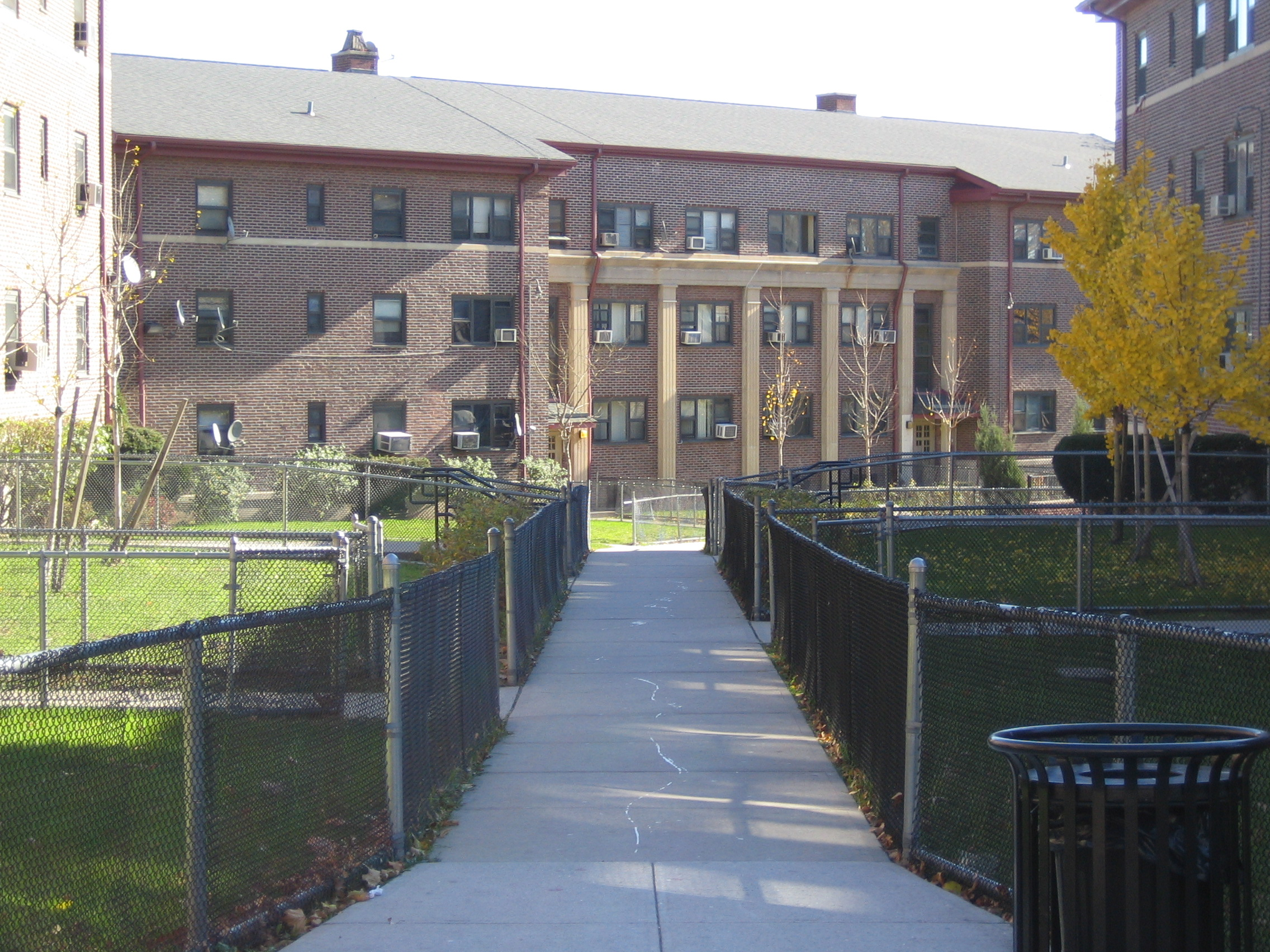 Arlington Arms Apartments