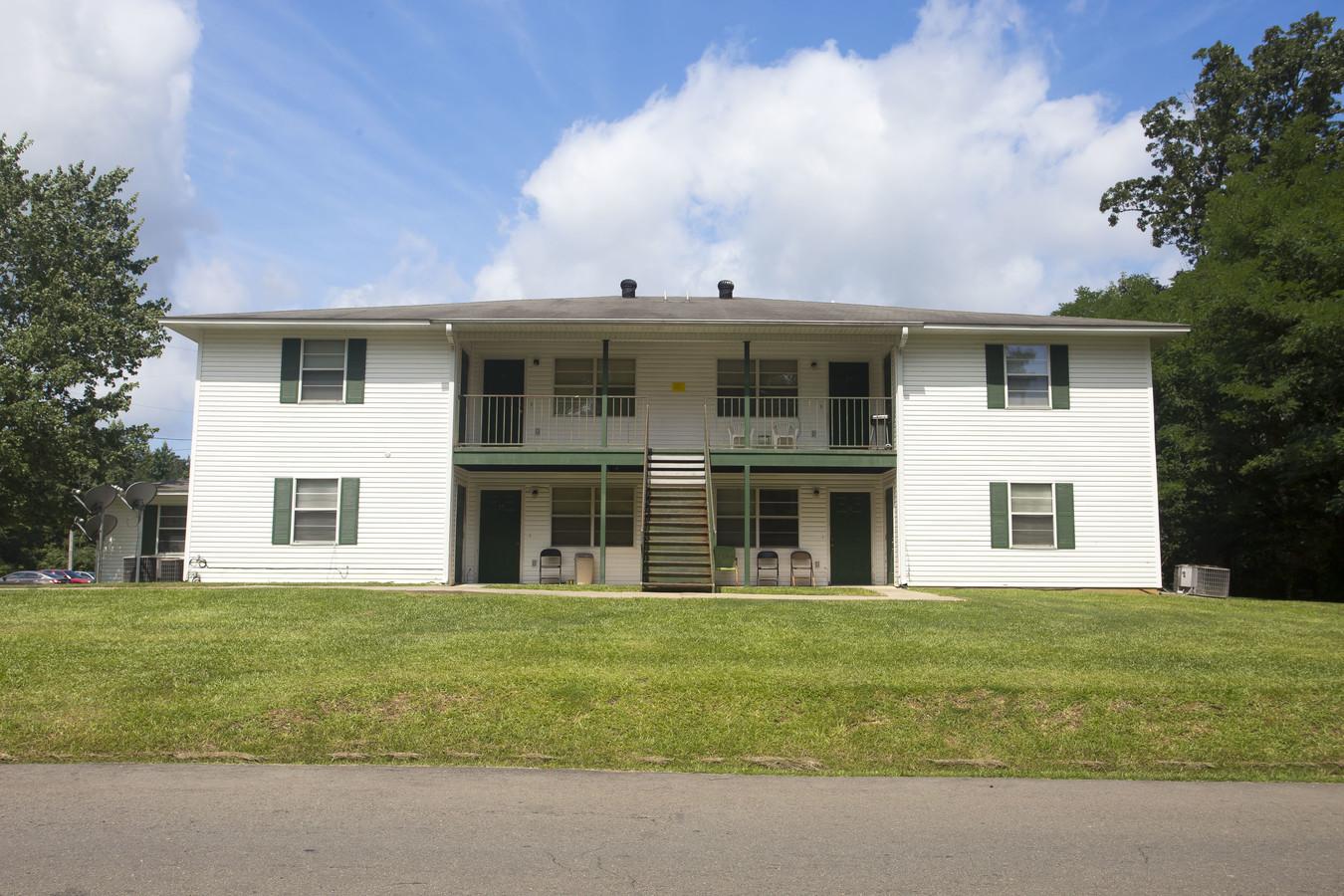 Warren Manor Apartments