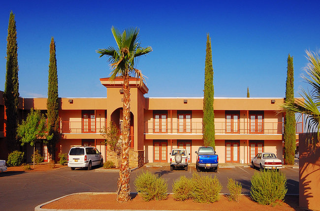 Desert Palms Apartments