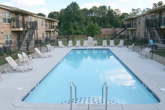 Valley Forge Apartments | 4350 S Madison Avenue