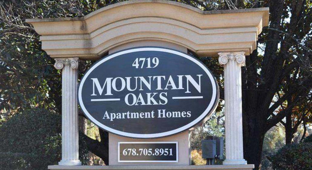 Mountain Oaks