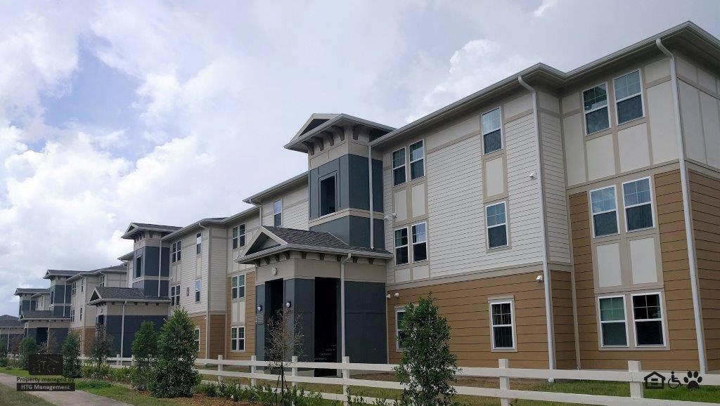Valencia Grove Apartments