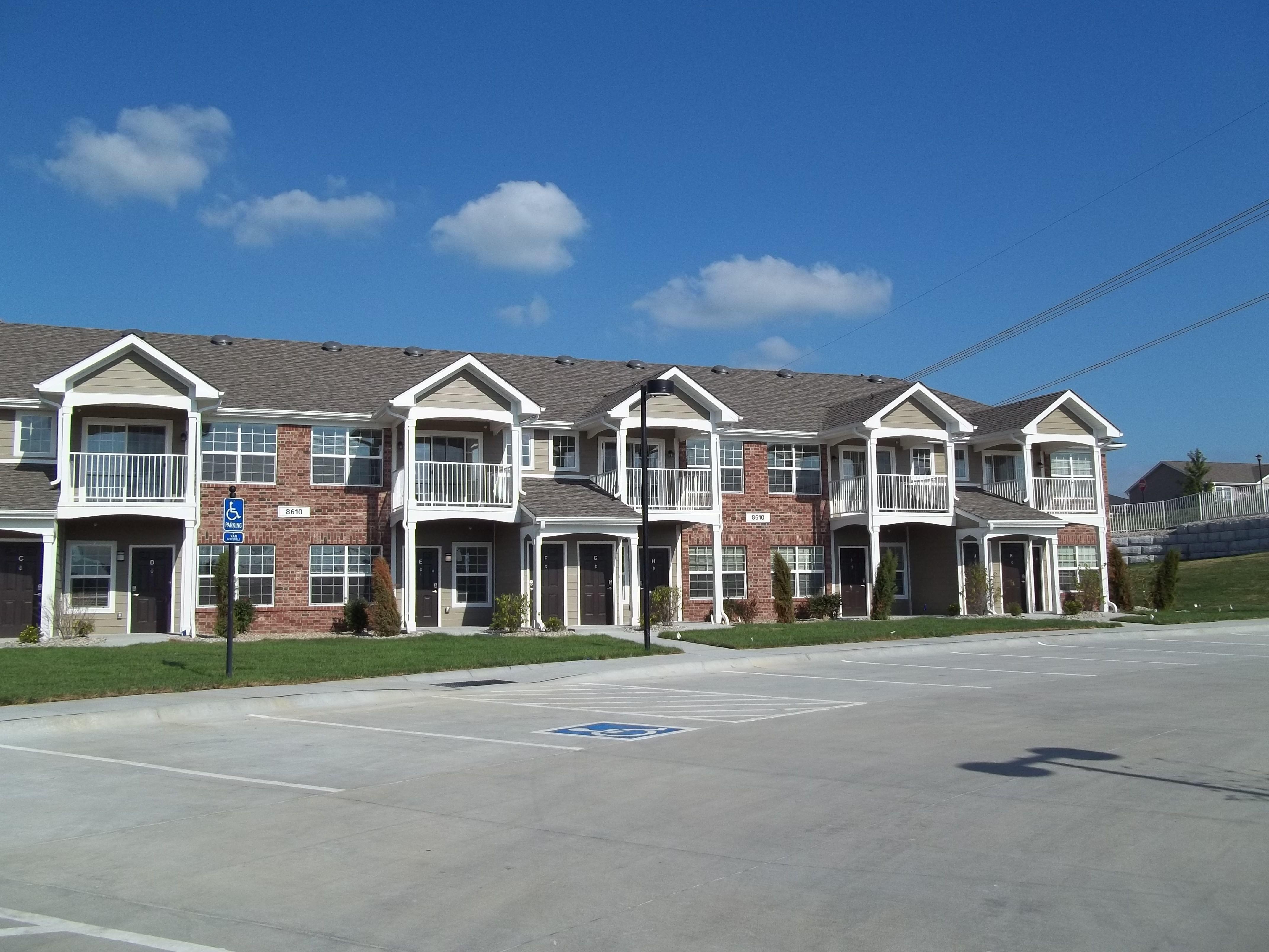Appleton Apartment Homes | 8600 Leighton Ave, Lincoln, NE ...