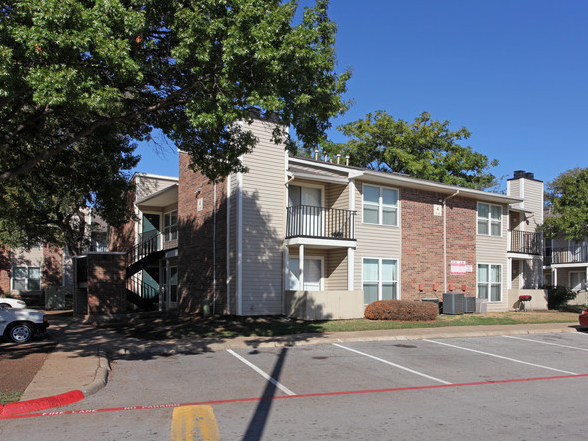 Center Ridge Apartment Homes